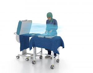 Vorbereitung von Implantaten und Instrumenten im Herzkatheterlabor